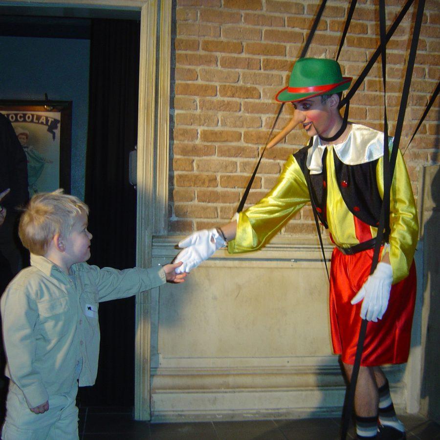 Pinokkio met kind, Sinterklaasfeest
