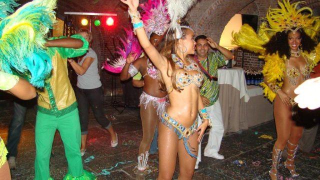 danseuses brésiliennes, fête du personnel